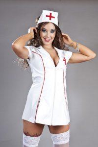 1. vitlack nurseklännig