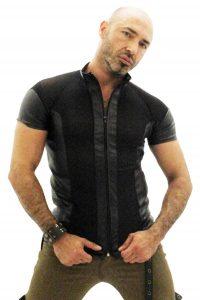 46. svart genomskinlig tshirt med fuskskinn detaljer